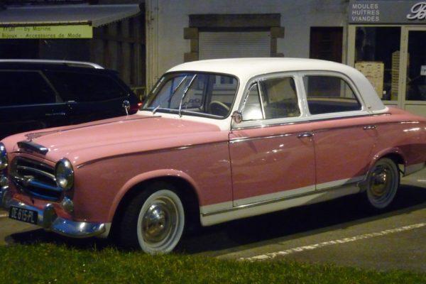 voiture rose